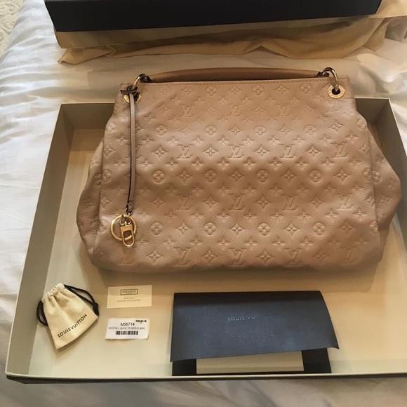 0af22add87f2e Louis Vuitton Bags | Artsy Mm | Poshmark